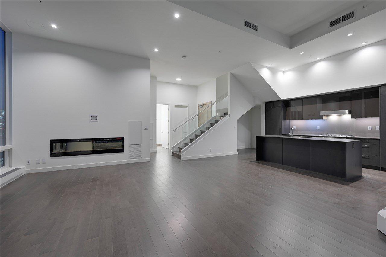 Main Photo: 2303 10360 102 Street in Edmonton: Zone 12 Condo for sale : MLS®# E4219615