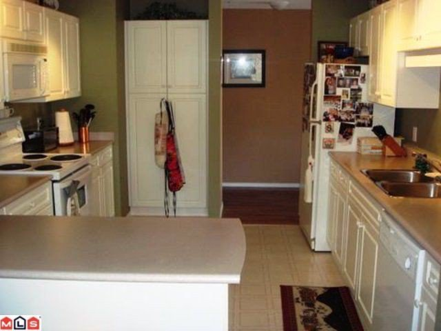"""Photo 3: Photos: 302 3176 GLADWIN Road in Abbotsford: Central Abbotsford Condo for sale in """"REGENCY PARK"""" : MLS®# F1007499"""