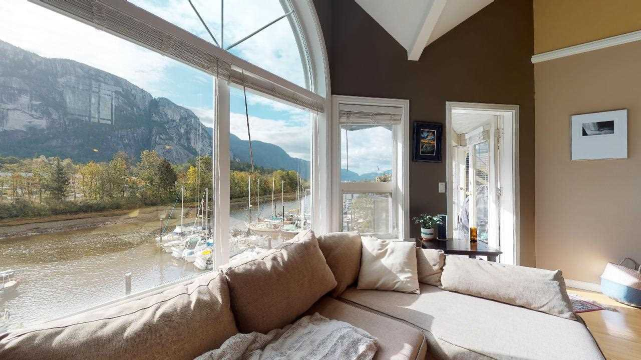 "Main Photo: 306 1468 PEMBERTON Avenue in Squamish: Downtown SQ Condo for sale in ""Marina Estates"" : MLS®# R2409294"