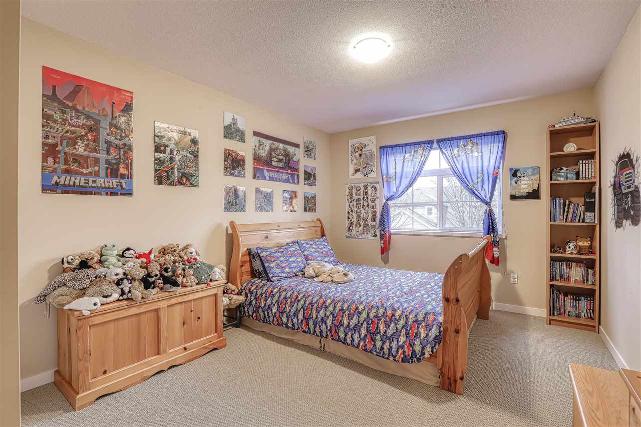 """Photo 11: Photos: 18 19490 FRASER Way in Pitt Meadows: South Meadows Townhouse for sale in """"Kingfisher at Osprey"""" : MLS®# R2444045"""