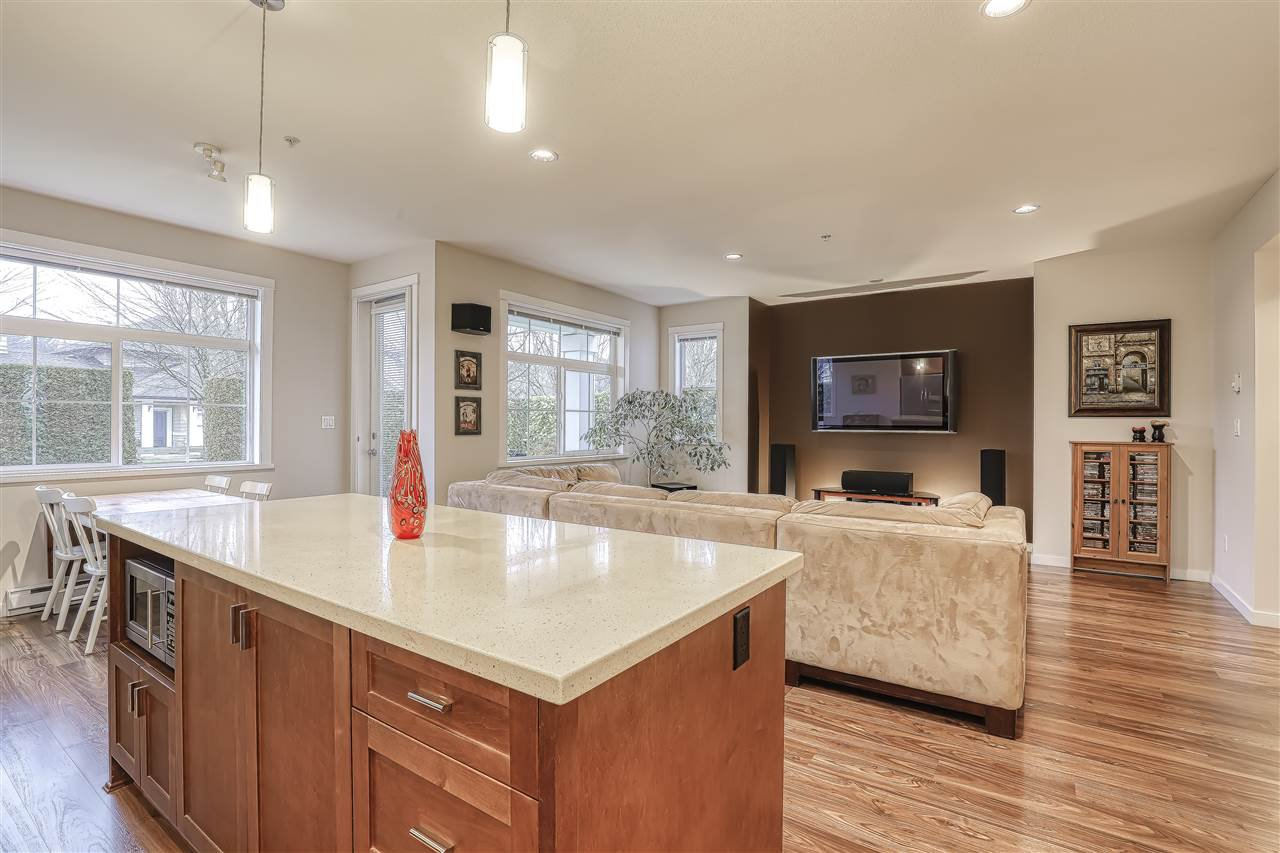 """Photo 4: Photos: 18 19490 FRASER Way in Pitt Meadows: South Meadows Townhouse for sale in """"Kingfisher at Osprey"""" : MLS®# R2444045"""