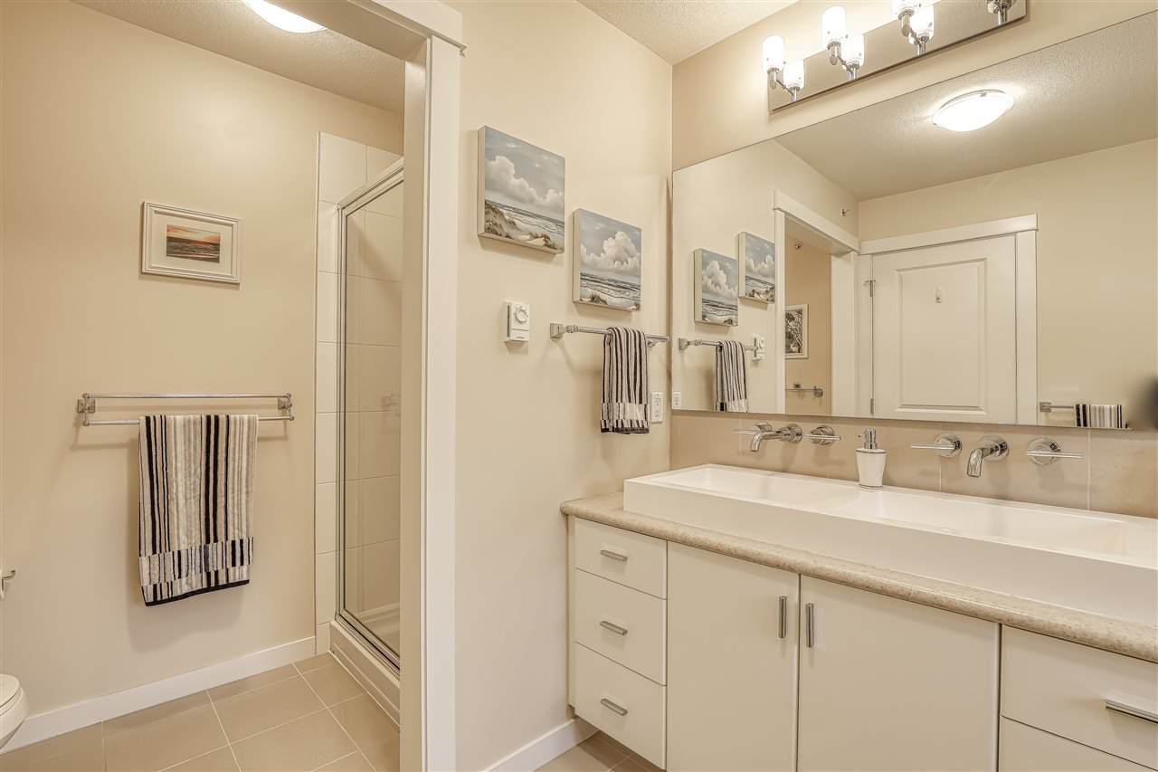 """Photo 15: Photos: 18 19490 FRASER Way in Pitt Meadows: South Meadows Townhouse for sale in """"Kingfisher at Osprey"""" : MLS®# R2444045"""