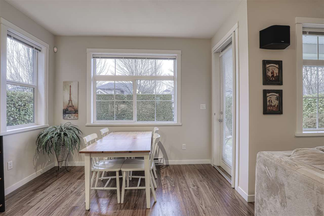 """Photo 8: Photos: 18 19490 FRASER Way in Pitt Meadows: South Meadows Townhouse for sale in """"Kingfisher at Osprey"""" : MLS®# R2444045"""