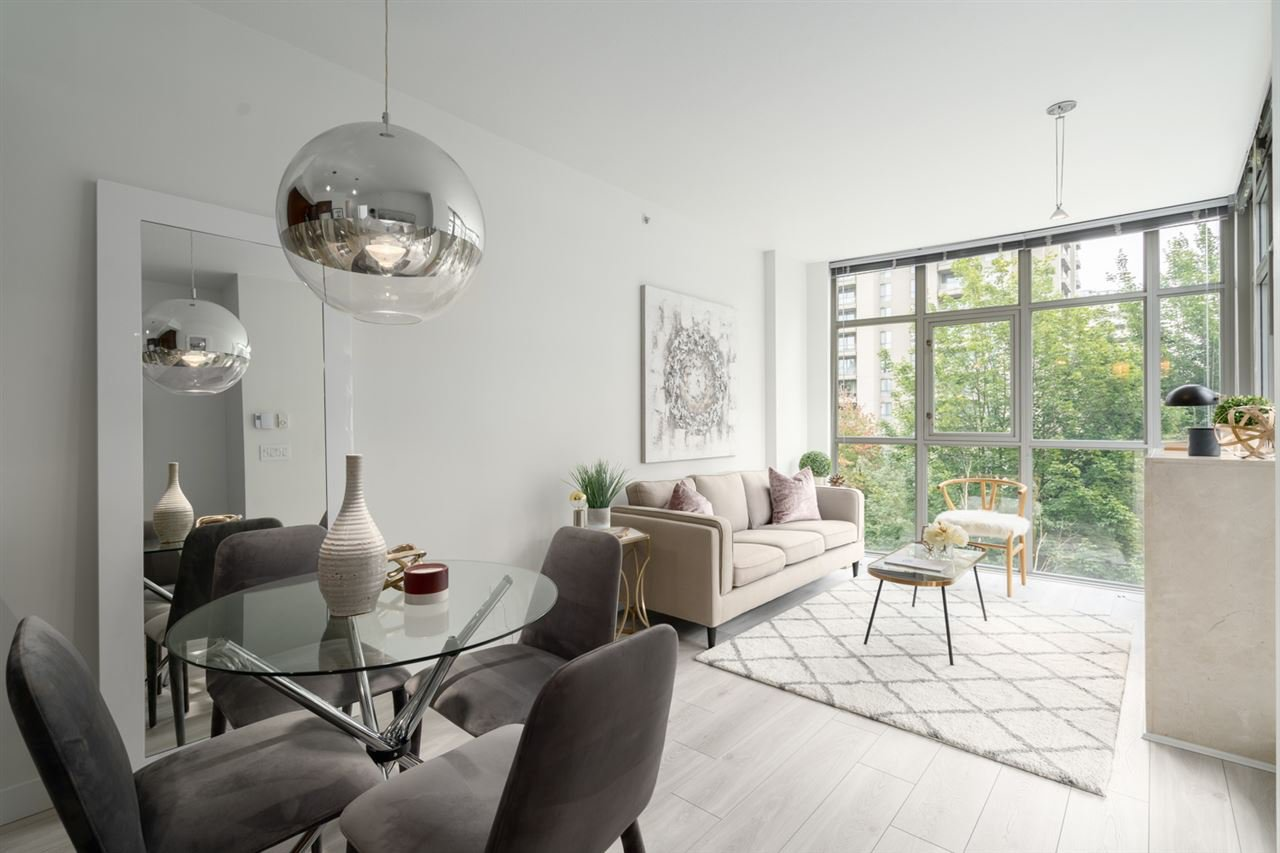 """Main Photo: 406 1050 SMITHE Street in Vancouver: West End VW Condo for sale in """"The Sterling"""" (Vancouver West)  : MLS®# R2522192"""