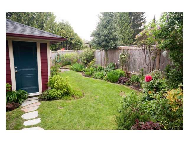 Main Photo: 7635 DAVIES Street in Burnaby: Edmonds BE House for sale (Burnaby East)  : MLS®# V850673