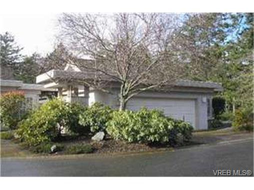 Main Photo:  in VICTORIA: SE Broadmead Row/Townhouse for sale (Saanich East)  : MLS®# 455571
