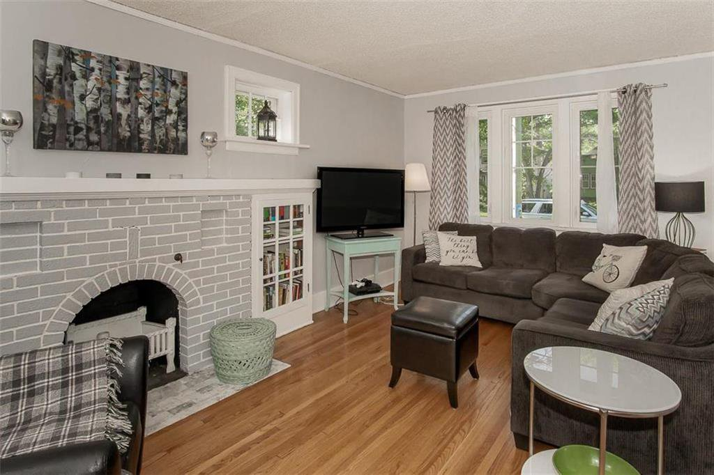 Photo 4: Photos: 655 Kingsway Avenue in Winnipeg: River Heights North Residential for sale (1C)  : MLS®# 202015726