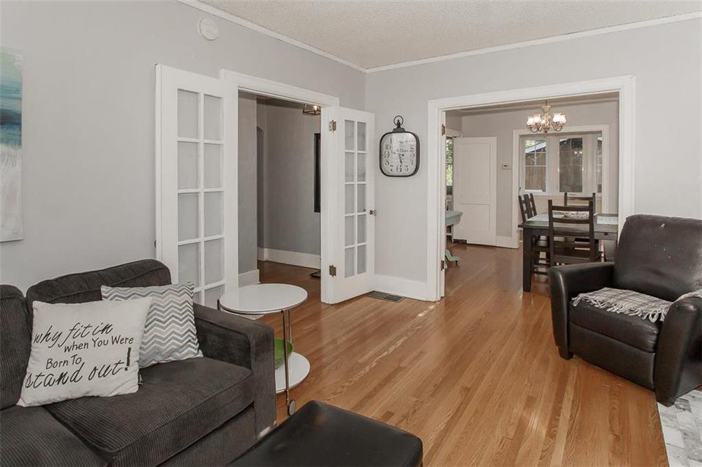 Photo 5: Photos: 655 Kingsway Avenue in Winnipeg: River Heights North Residential for sale (1C)  : MLS®# 202015726