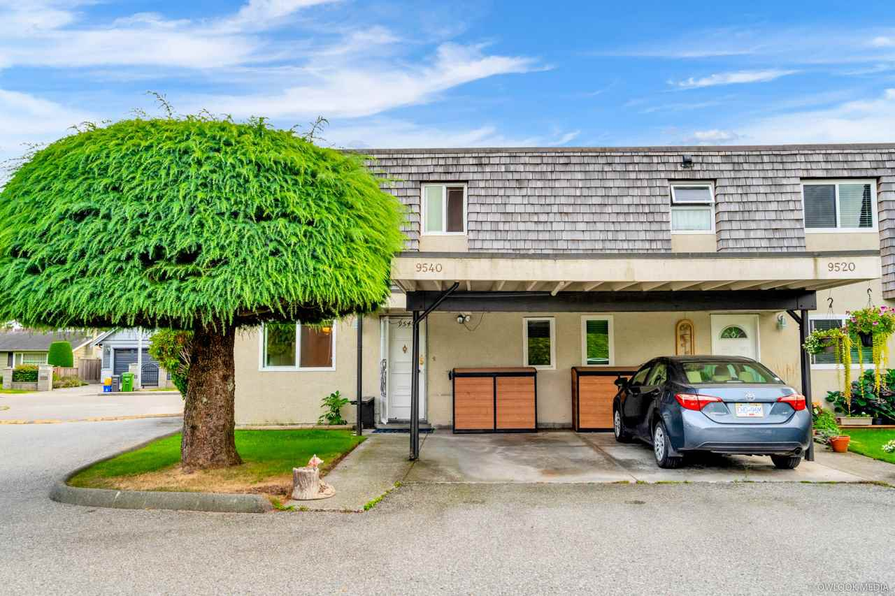 Main Photo: 9540 RYAN Crescent in Richmond: South Arm Townhouse for sale : MLS®# R2501071