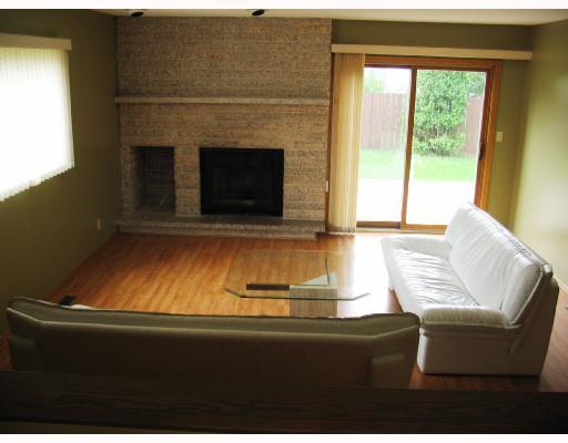 Photo 2: Photos: 10 KINSBOURNE GREEN Crescent in WINNIPEG: St Vital Residential for sale (South East Winnipeg)  : MLS®# 2813106