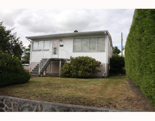 Main Photo: 1707 PRESTWICK Drive in Vancouver: Fraserview VE House for sale (Vancouver East)  : MLS®# V749175