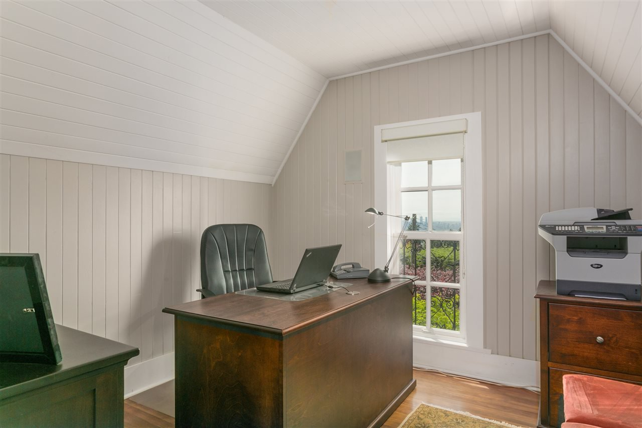 Photo 17: Photos: 350 TEMPE Crescent in North Vancouver: Upper Lonsdale House for sale : MLS®# R2408688