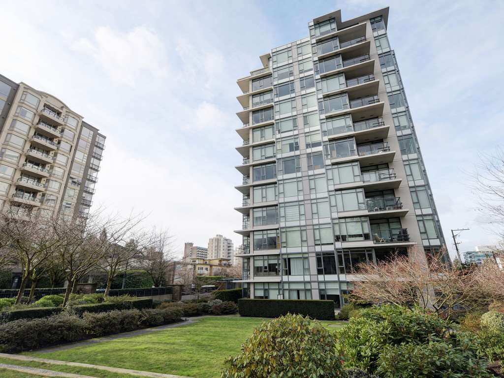 "Main Photo: 1105 1333 W 11TH Avenue in Vancouver: Fairview VW Condo for sale in ""SAKURA"" (Vancouver West)  : MLS®# R2432265"