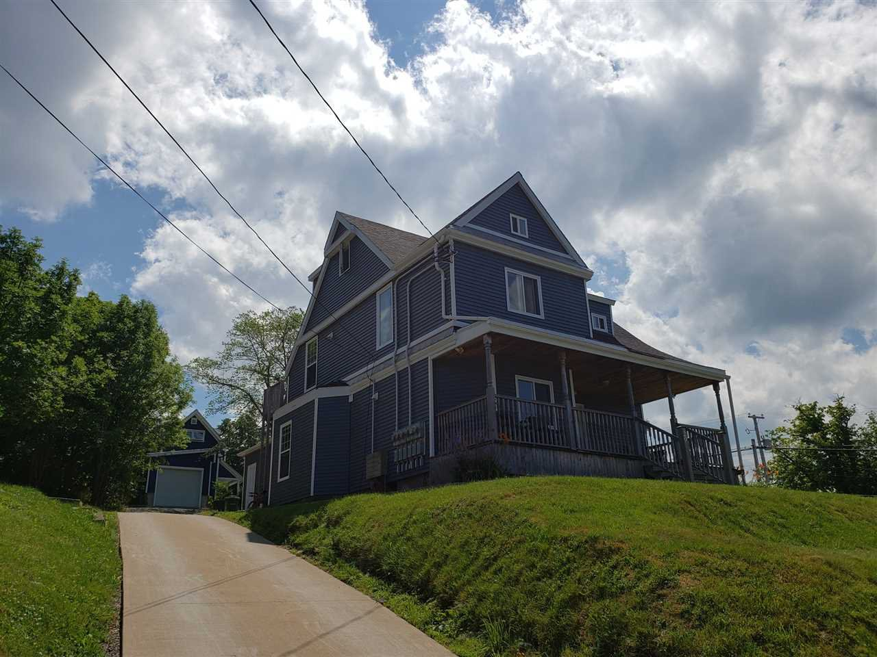 Photo 5: Photos: 29 Prospect Street in Wolfville: 404-Kings County Multi-Family for sale (Annapolis Valley)  : MLS®# 202014423