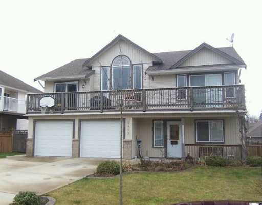 Main Photo: 8459 DOERKSEN Drive in Mission: Mission BC House for sale : MLS®# F2700763