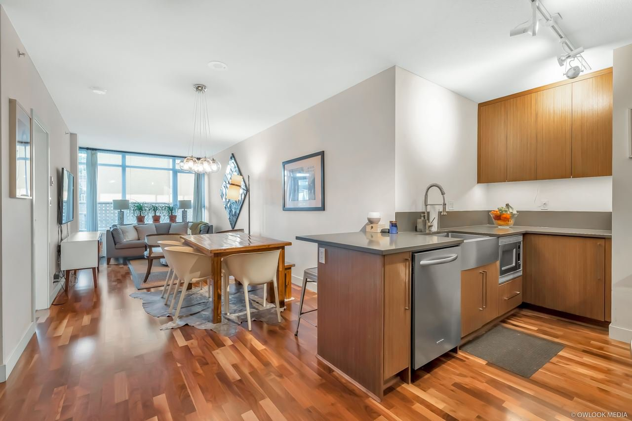 "Main Photo: 206 251 E 7TH Avenue in Vancouver: Mount Pleasant VE Condo for sale in ""District"" (Vancouver East)  : MLS®# R2443940"