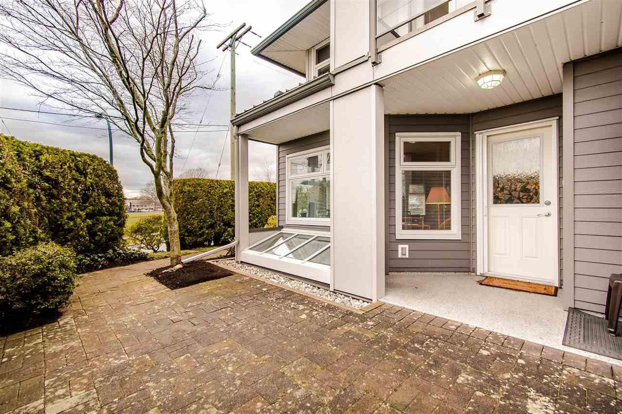 "Main Photo: 104 1220 FIR Street: White Rock Townhouse for sale in ""Vista Pacifica"" (South Surrey White Rock)  : MLS®# R2444300"