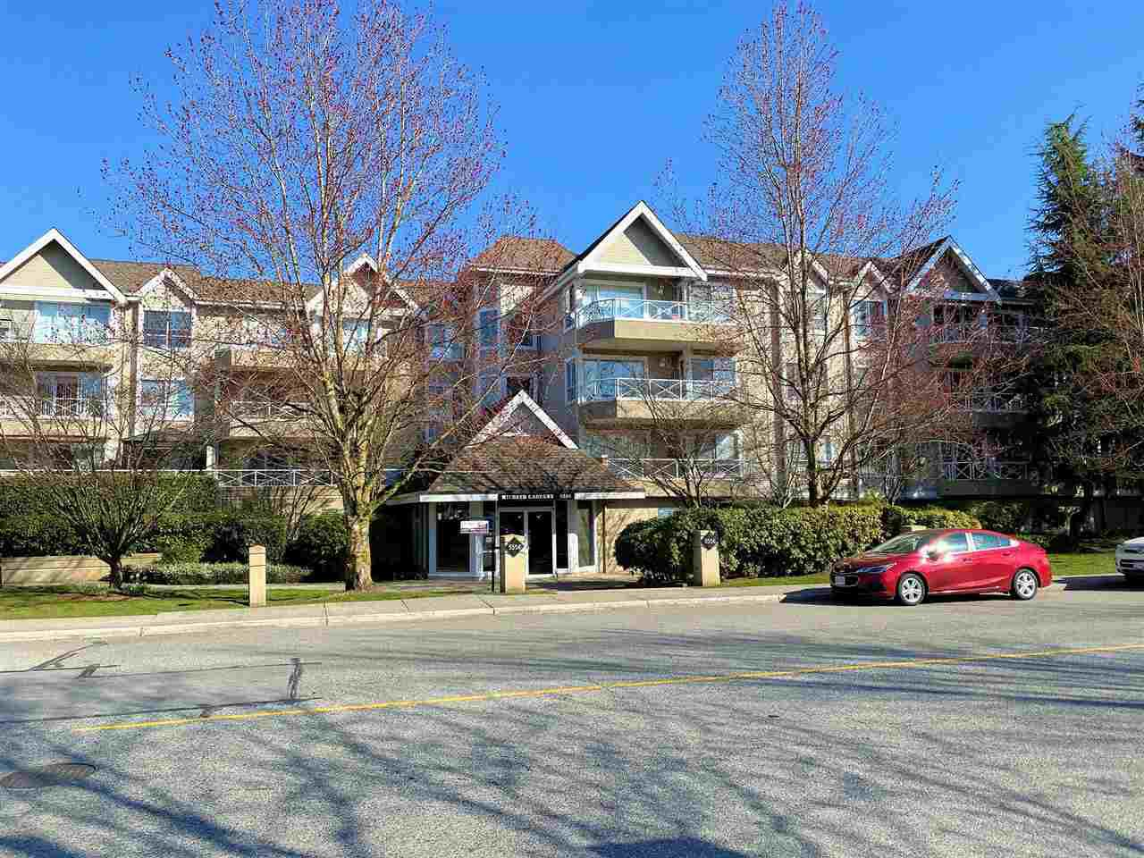 "Main Photo: 108 5556 201A Street in Langley: Langley City Condo for sale in ""Michaud Gardens"" : MLS®# R2450874"