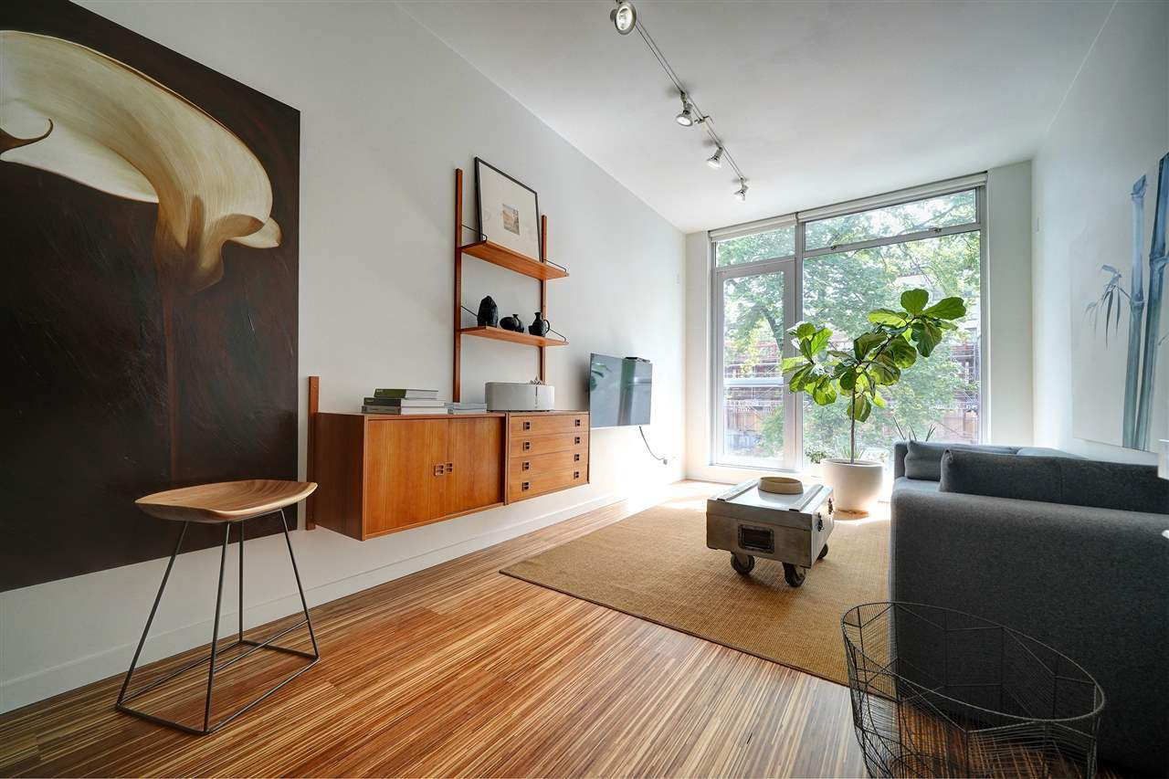 "Main Photo: 208 36 WATER Street in Vancouver: Downtown VW Condo for sale in ""Terminus"" (Vancouver West)  : MLS®# R2455715"