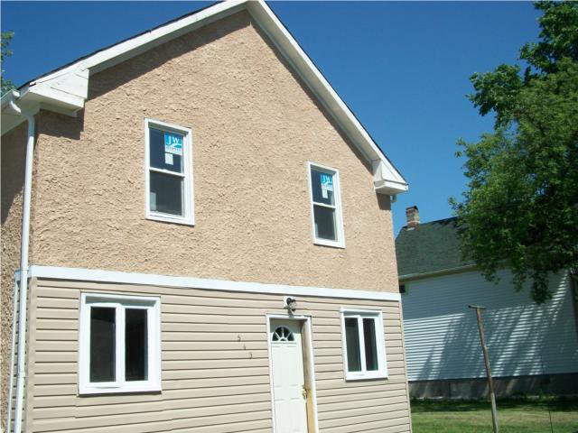 Main Photo: 543 MAGNUS Avenue in WINNIPEG: North End Residential for sale (North West Winnipeg)  : MLS®# 1011213
