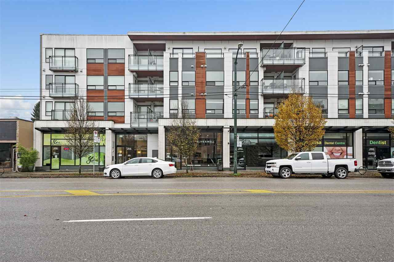 "Main Photo: 102 2858 W 4TH Avenue in Vancouver: Kitsilano Condo for sale in ""KITSWEST"" (Vancouver West)  : MLS®# R2419407"