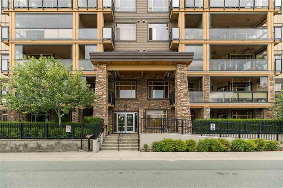 """Main Photo: 109 8258 207A Street in Langley: Willoughby Heights Condo for sale in """"YORKSON CREEK"""" : MLS®# R2432746"""
