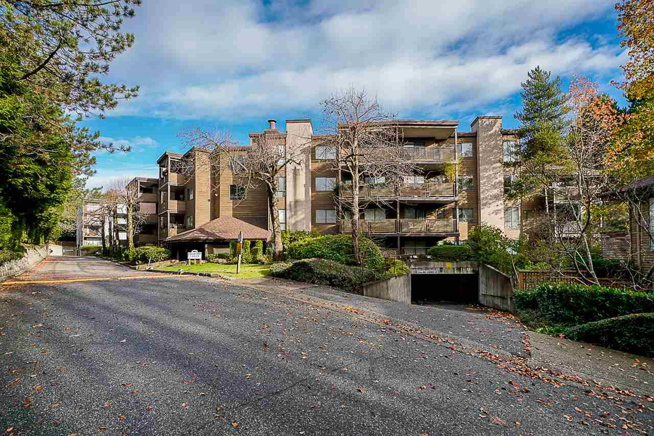Main Photo: 107 10680 151A Street in Surrey: Guildford Condo for sale (North Surrey)  : MLS®# R2433839