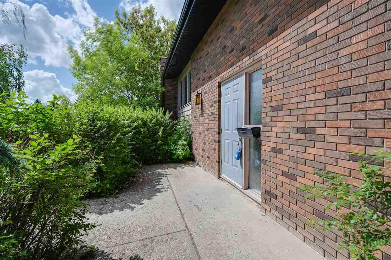 Main Photo: 11132 48 Avenue in Edmonton: Zone 15 House for sale : MLS®# E4200680