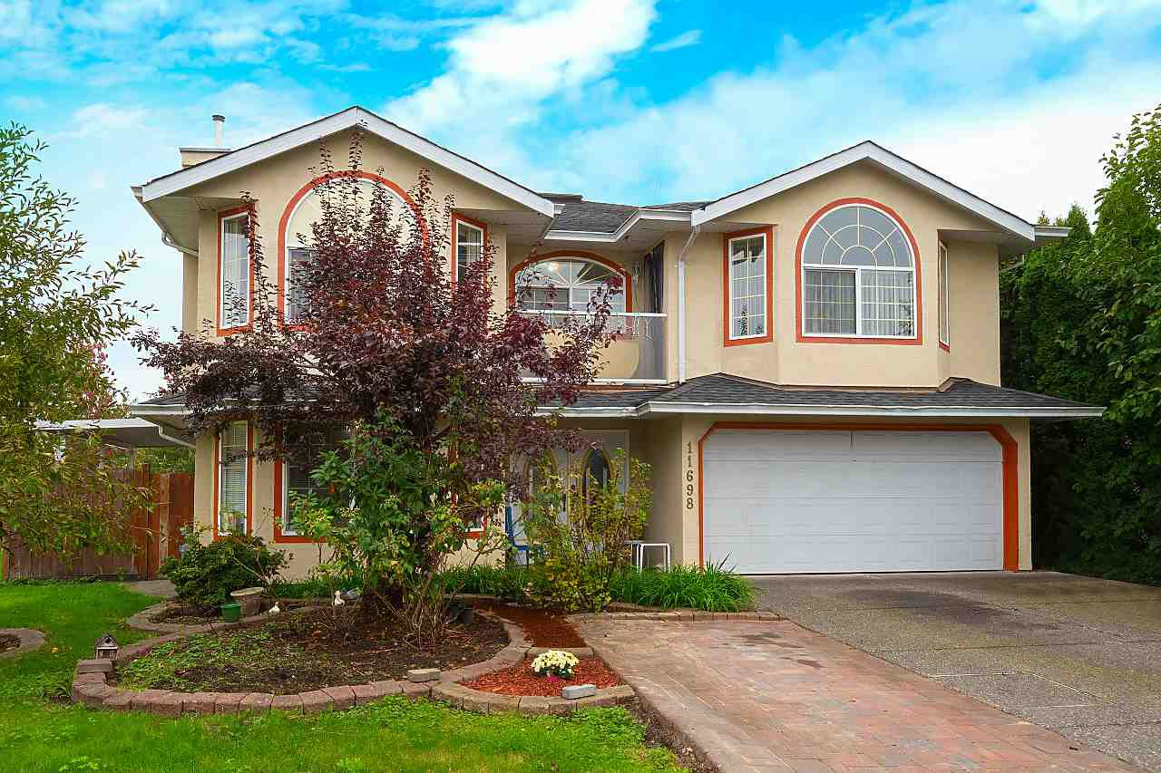 Main Photo: 11698 232A Street in Maple Ridge: Cottonwood MR House for sale : MLS®# R2471909