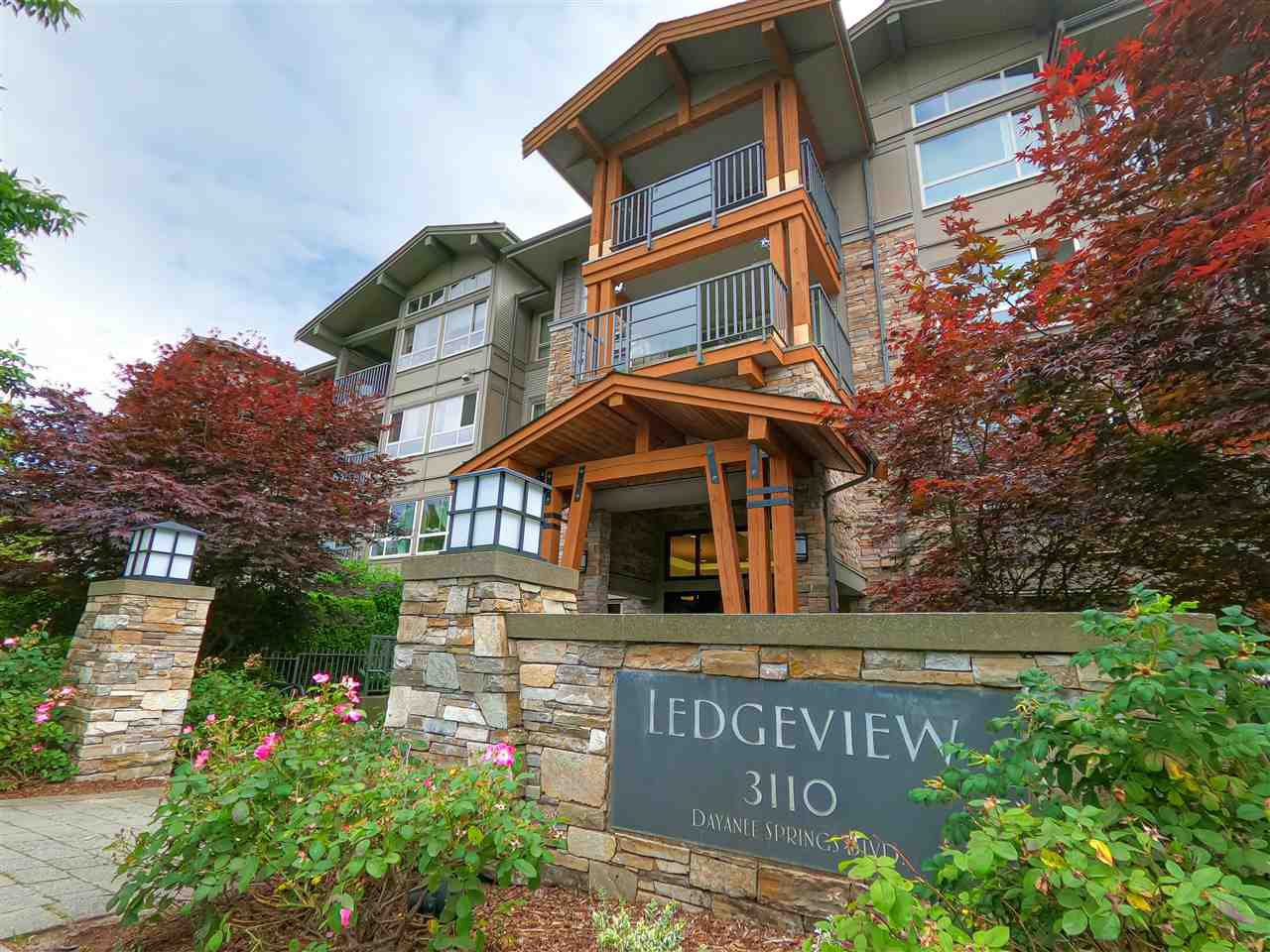 Main Photo: 506 3110 DAYANEE SPRINGS Boulevard in Coquitlam: Westwood Plateau Condo for sale : MLS®# R2478469