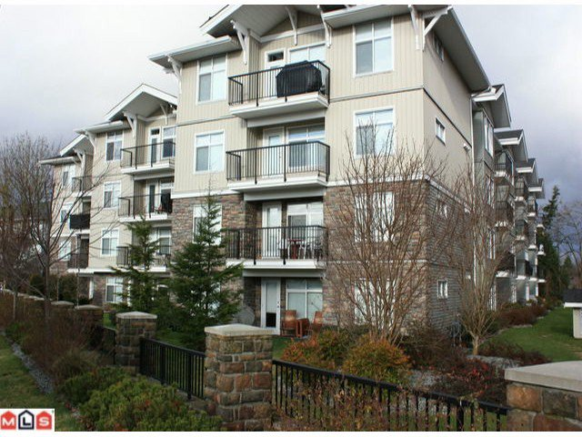 "Main Photo: 205 33255 OLD YALE Road in Abbotsford: Central Abbotsford Condo for sale in ""THE BRIXTON"" : MLS®# F1028837"