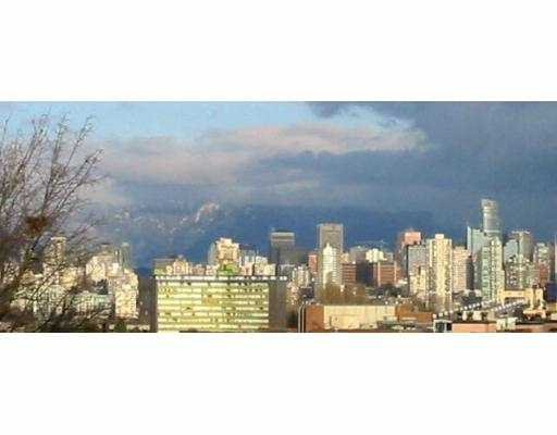 Main Photo: 205 2100 W 3RD AV in Vancouver: Kitsilano Condo for sale (Vancouver West)  : MLS®# V574386