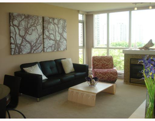 """Main Photo: 404 2138 MADISON Avenue in Burnaby: Brentwood Park Condo for sale in """"RENAISSANCE MOSAIC"""" (Burnaby North)  : MLS®# V772409"""
