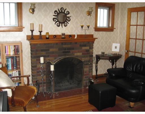 Photo 3: Photos: 80 HARBISON Avenue West in WINNIPEG: East Kildonan Residential for sale (North East Winnipeg)  : MLS®# 2801671