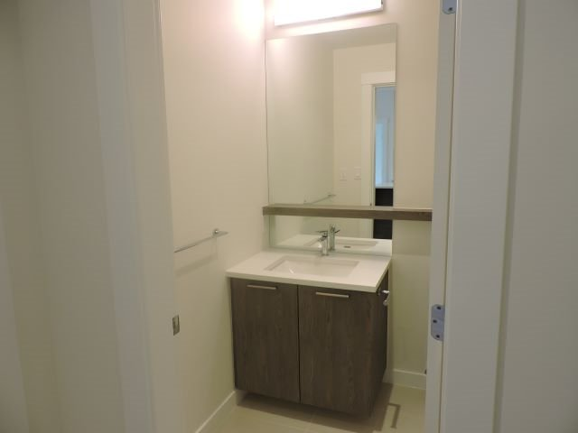 """Photo 9: Photos: 310 625 E 3RD Street in North Vancouver: Lower Lonsdale Condo for sale in """"KINDRED MOODYVILLE"""" : MLS®# R2417535"""