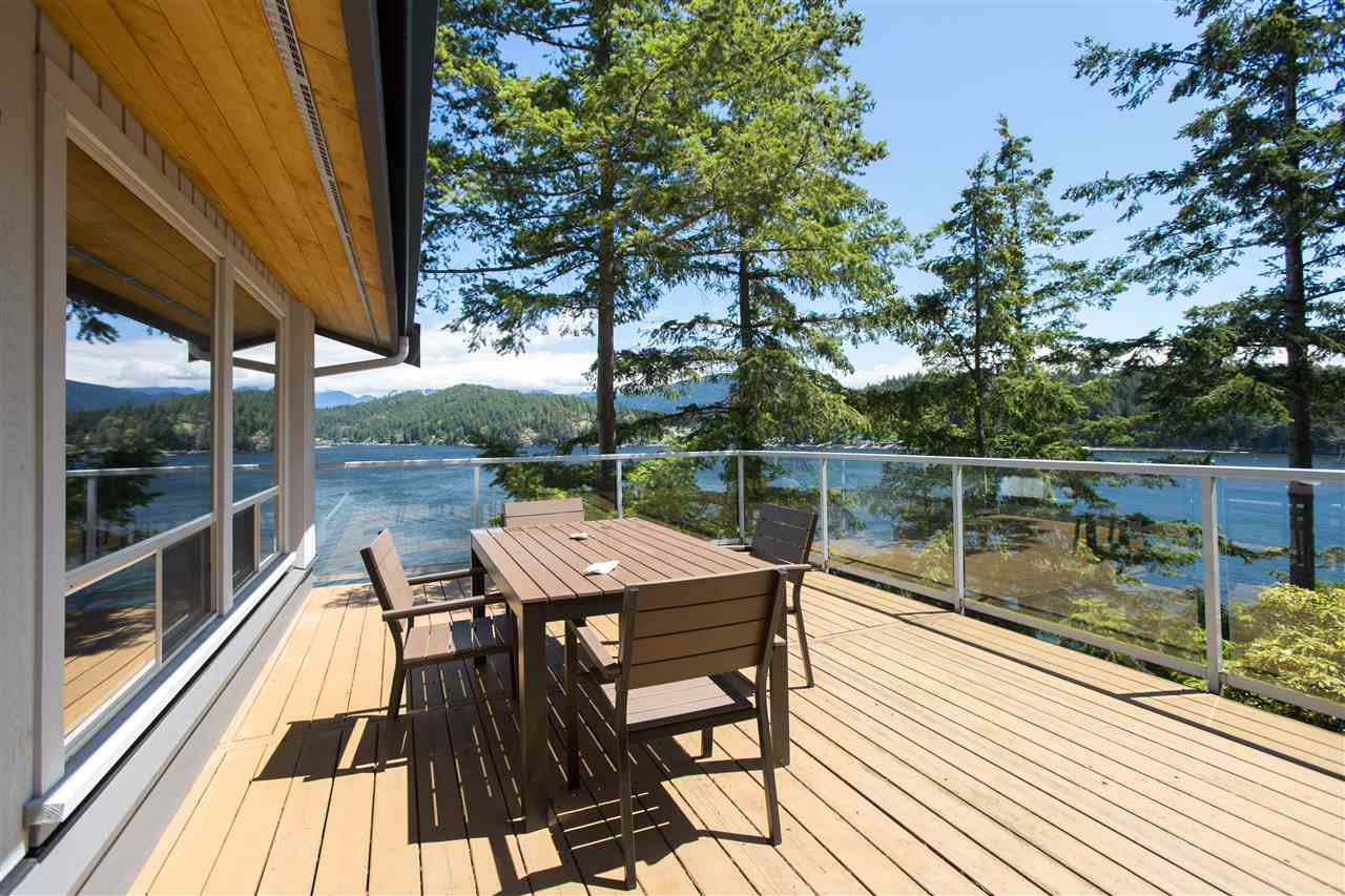 Main Photo: 308 SHOAL LKOUT Road in Gibsons: Gibsons & Area House for sale (Sunshine Coast)  : MLS®# R2471012
