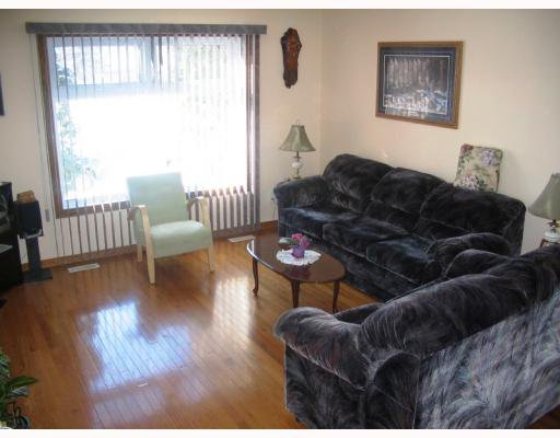 Photo 2: Photos:  in WINNIPEG: Fort Garry / Whyte Ridge / St Norbert Residential for sale (South Winnipeg)  : MLS®# 2902821