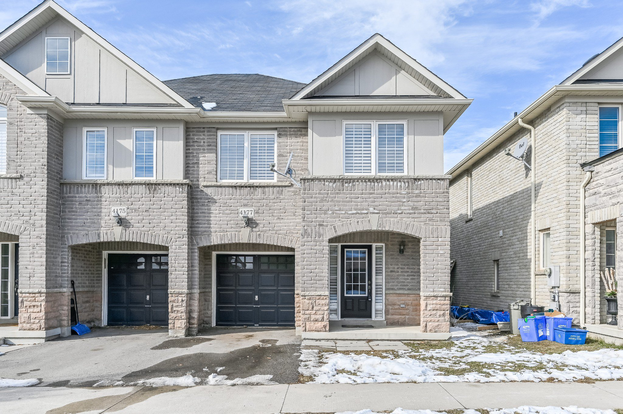 Main Photo: 4177 Cole Crescent in burlington: House for sale : MLS®# H4072660