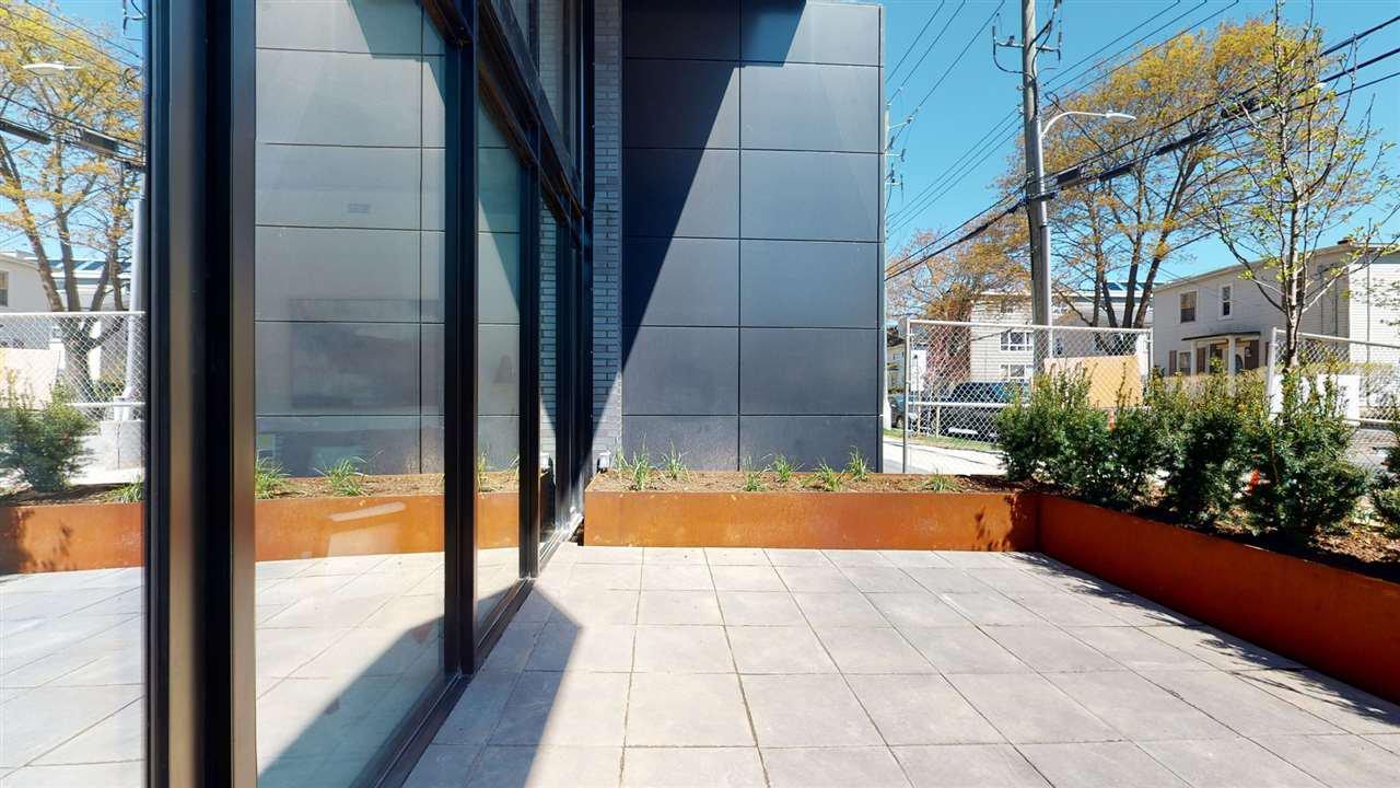 Photo 2: Photos: 102 1048 Wellington Street in Halifax: 2-Halifax South Residential for sale (Halifax-Dartmouth)  : MLS®# 202004985
