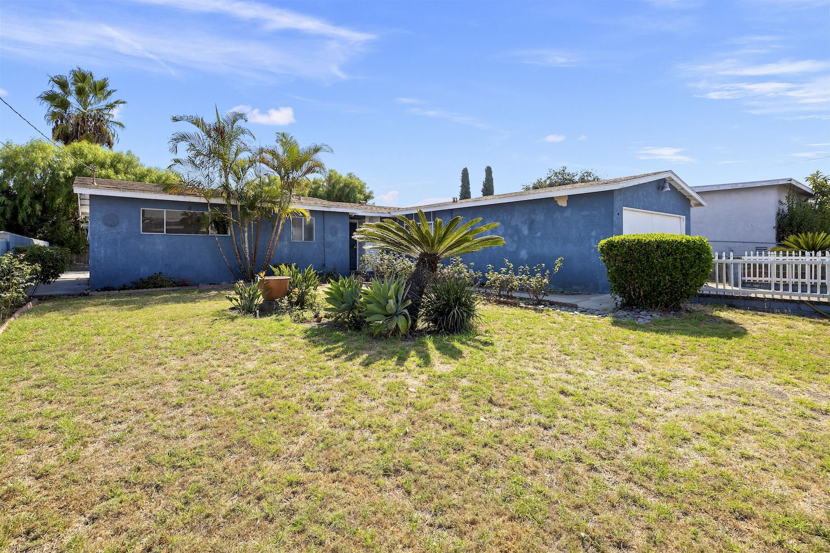 Main Photo: OCEANSIDE House for sale : 3 bedrooms : 4119 Thomas St
