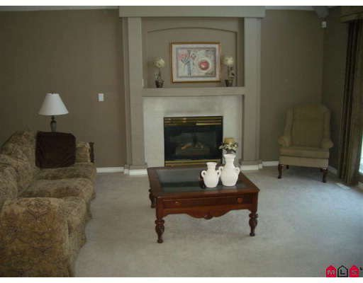 """Photo 5: Photos: 7363 146A Street in Surrey: East Newton House for sale in """"CHIMNEY HEIGHTS"""" : MLS®# F2828506"""