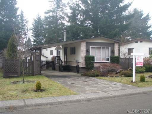 Main Photo: 2129 STADACONA DRIVE in COMOX: Z2 Comox (Town of) Manufactured Home for sale : MLS®# 493207
