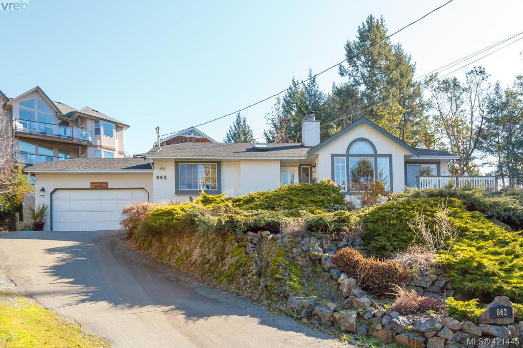 Main Photo: 662 Rason Road in VICTORIA: La Thetis Heights Single Family Detached for sale (Langford)  : MLS®# 421445