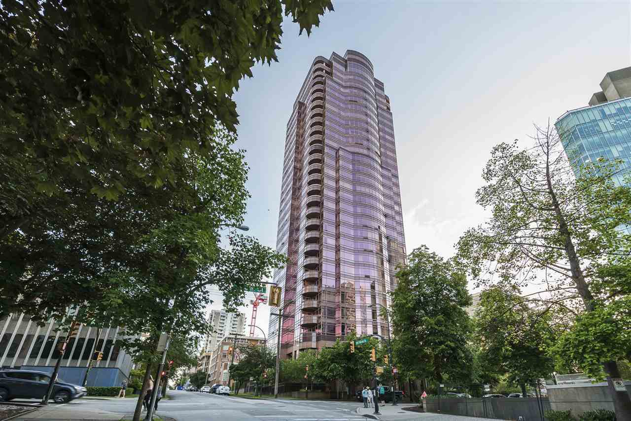 "Main Photo: 15B 1500 ALBERNI Street in Vancouver: West End VW Condo for sale in ""1500 ALBERNI"" (Vancouver West)  : MLS®# R2468252"