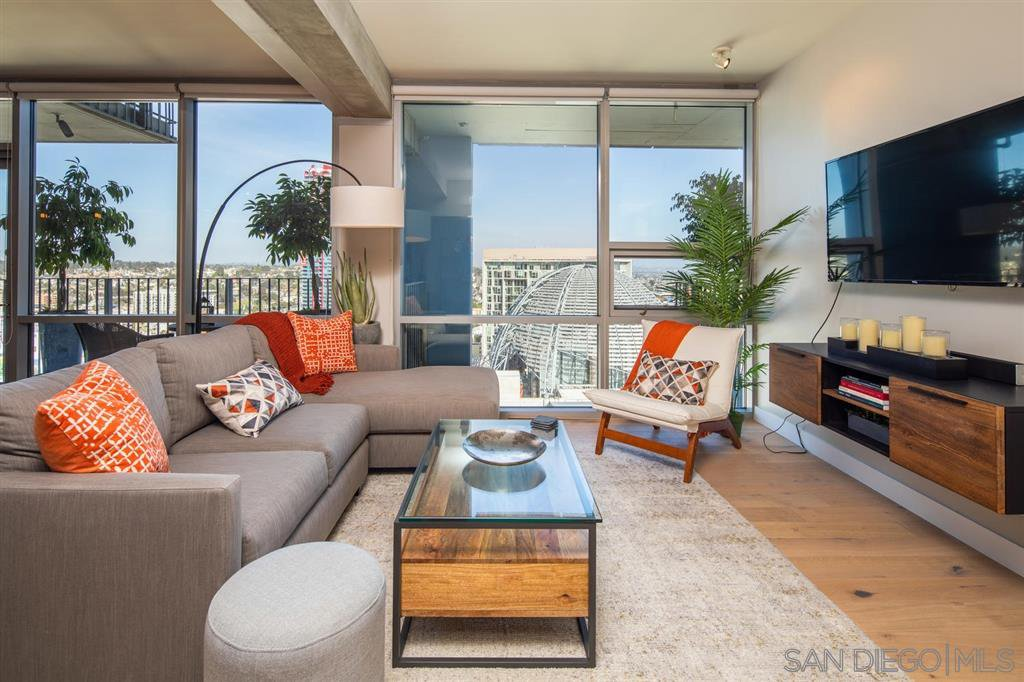 Main Photo: DOWNTOWN Condo for sale : 1 bedrooms : 321 10Th Avenue #2303 in San Diego