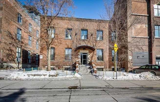 Main Photo: 206 347 Sorauren Avenue in Toronto: Roncesvalles Condo for lease (Toronto W01)  : MLS®# W5071986