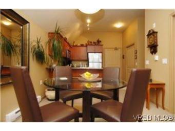 Photo 4: Photos: 404 663 Goldstream Ave in VICTORIA: La Fairway Condo for sale (Langford)  : MLS®# 499068