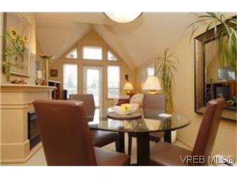 Photo 3: Photos: 404 663 Goldstream Ave in VICTORIA: La Fairway Condo for sale (Langford)  : MLS®# 499068