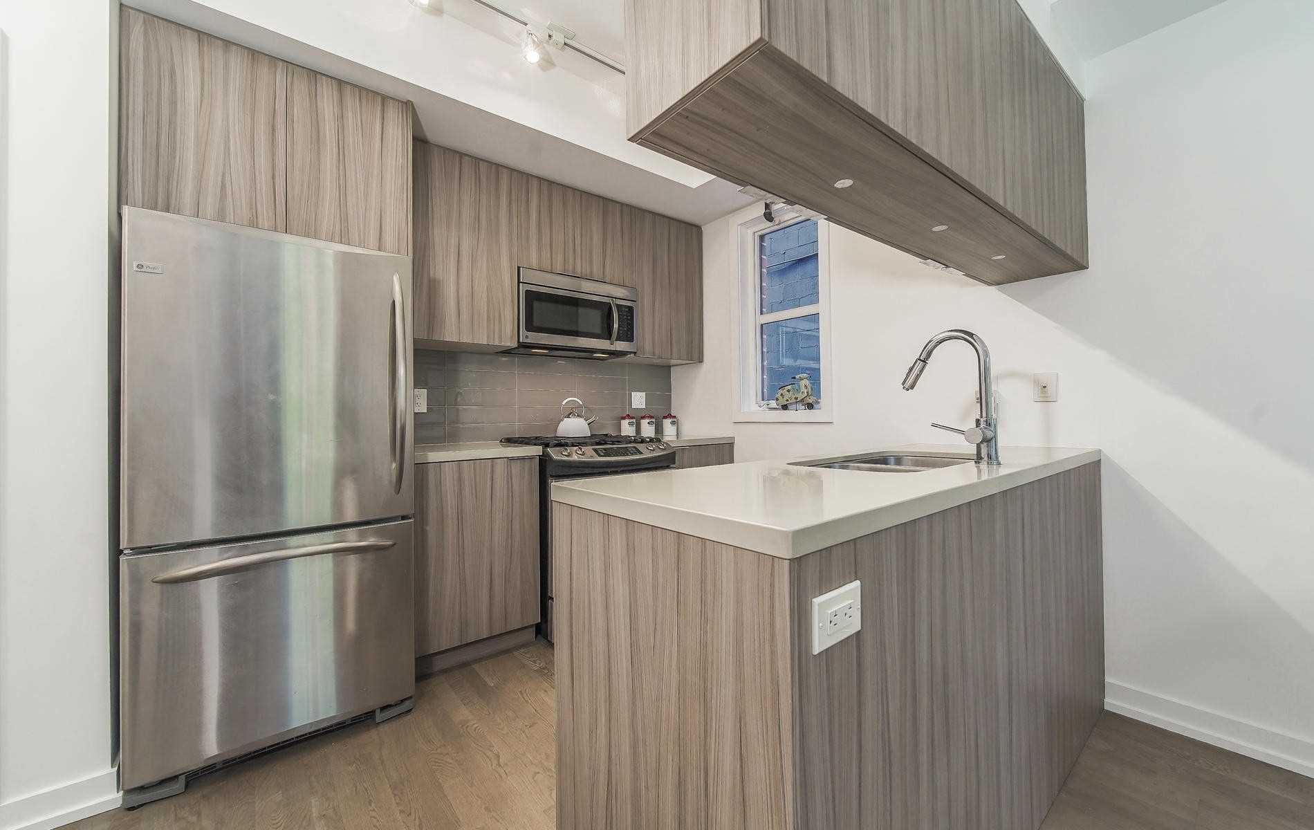 Photo 4: Photos: Th 11 150 Broadview Avenue in Toronto: South Riverdale Condo for sale (Toronto E01)  : MLS®# E4519038