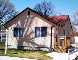 Main Photo: 85 CRYSTAL Avenue in WINNIPEG: St Vital Residential for sale (South East Winnipeg)  : MLS®# 2304852